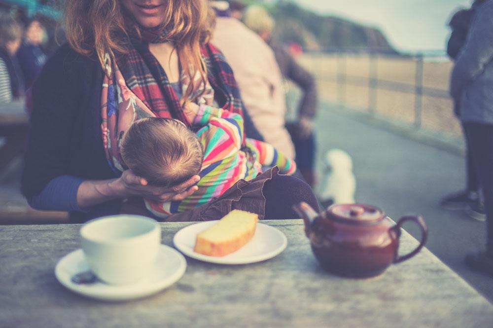 Est il sain de boire du thé vert durant l'allaitement ?