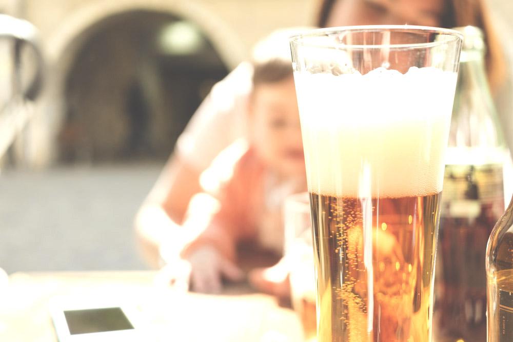 Alcool et allaitement : peut on «tiser» et allaiter ?