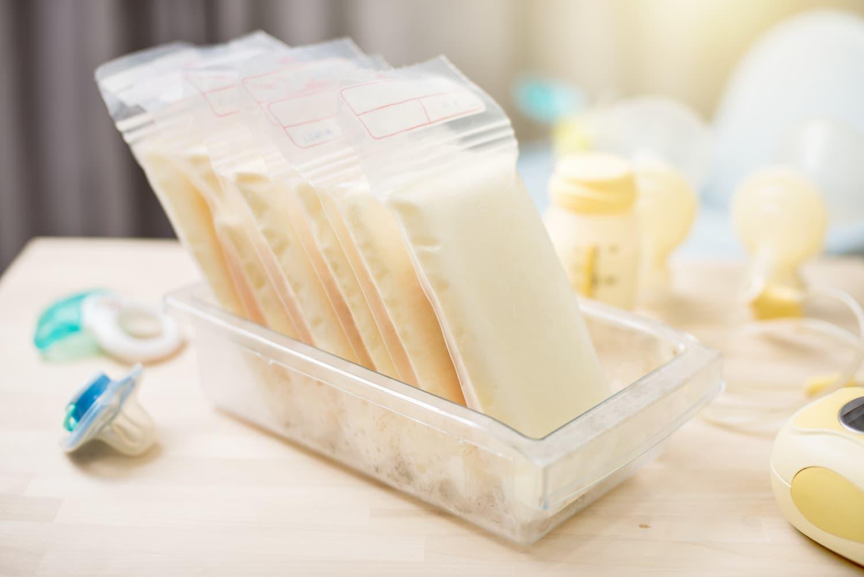 comment conserver le lait maternel